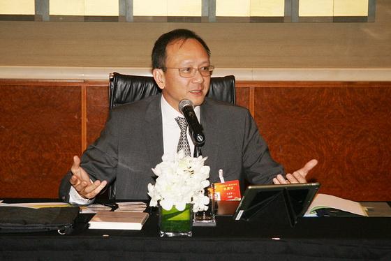 李惠森先生出席政协会议  提案关注家族企业新生代培养