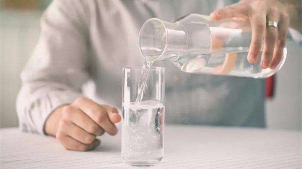 说真的,你不需要每天喝8杯水!