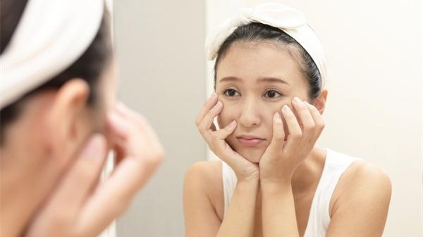 警惕这些皮肤老化的信号!5种方式抚平岁月痕迹