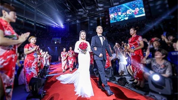 在结婚30周年纪念日这天,这对夫妻收获了无限极最高荣誉!