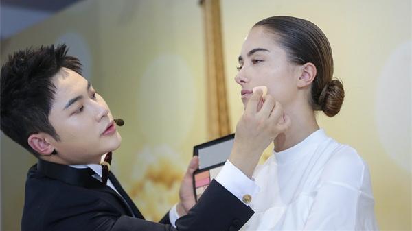 世界時尚趨勢邂逅東方美,萃雅東方妝閃耀全場